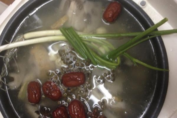 莲藕红枣莲子排骨汤,在寒冷的冬天,给你带来别样的温暖第十二步