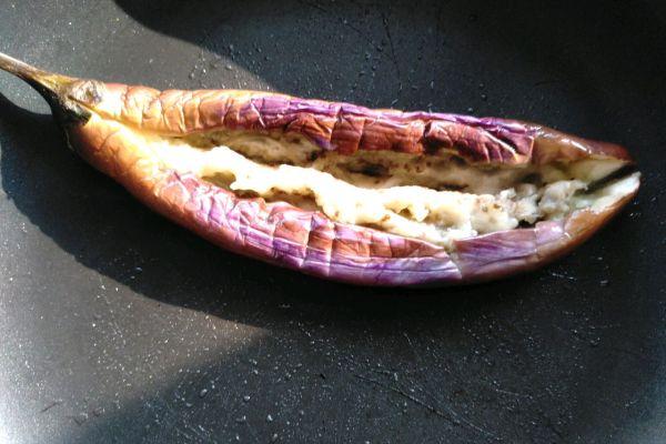 烧烤茄子,用平底锅也可以轻松制作第六步