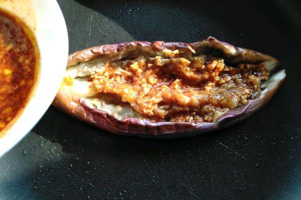 烧烤茄子,用平底锅也可以轻松制作第七步