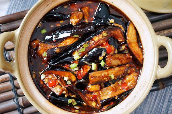 拌饭最佳,红烧茄子煲第十二步
