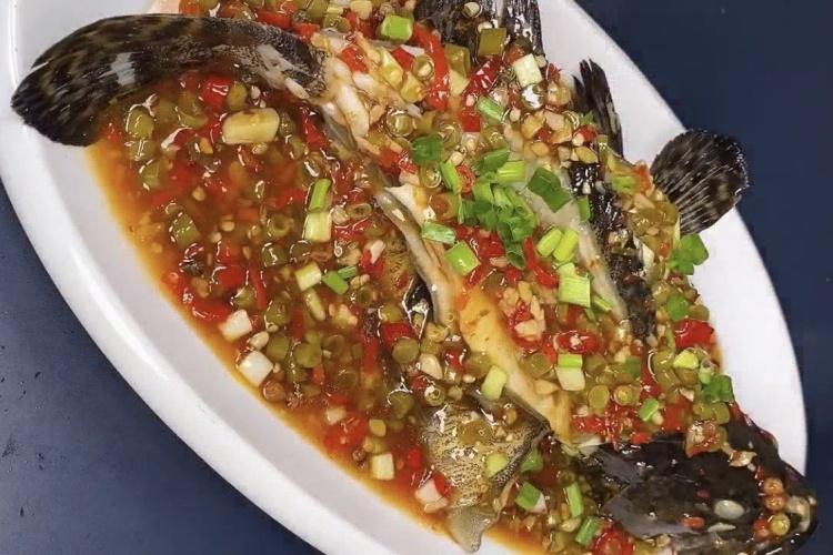 泡菜鱼,肉质细嫩,汤酸香鲜美,咸鲜适口