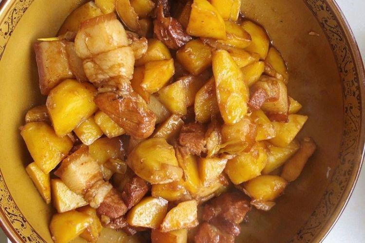 肉烧土豆,色香味俱全,味道巴适!